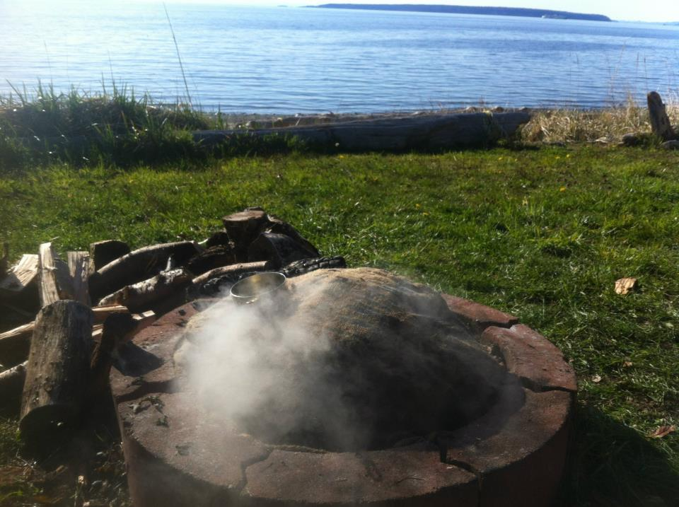 The steaming clambake pit