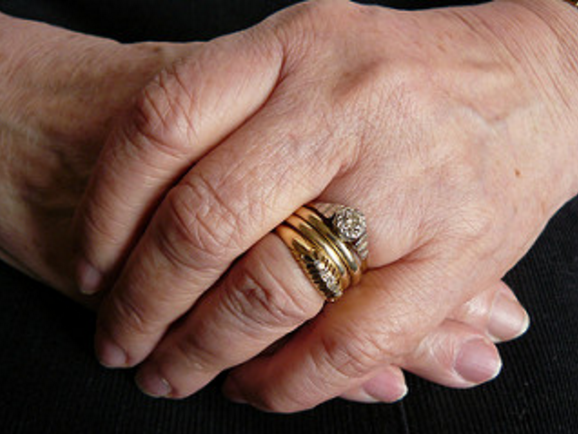 Hands / Photo: chamywak on Flickr