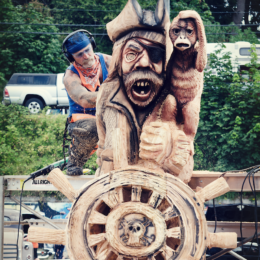 10 Photos of the Chainsaw Carvings from Logger Sports