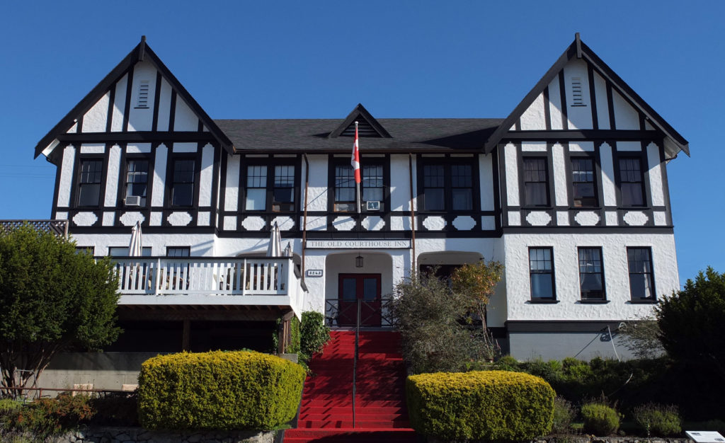 Places to Stay: Old Courthouse Inn Powell River