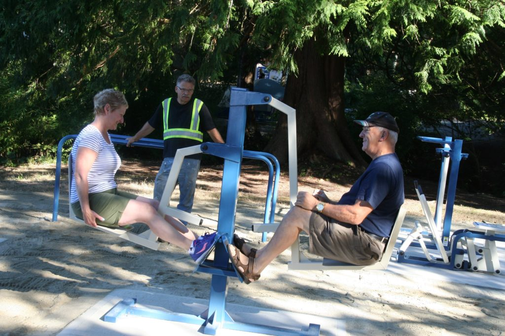 Rotary Club Fitness Equipment - Willingdon Beach